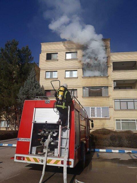 آتش سوزی در طبقه سوم ساختمان های 200 واحدی پتروشیمی بجنورد
