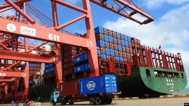 آمریکا وضع تعرفه بر بعضی کالاهای چینی را به تأخیر می اندازد