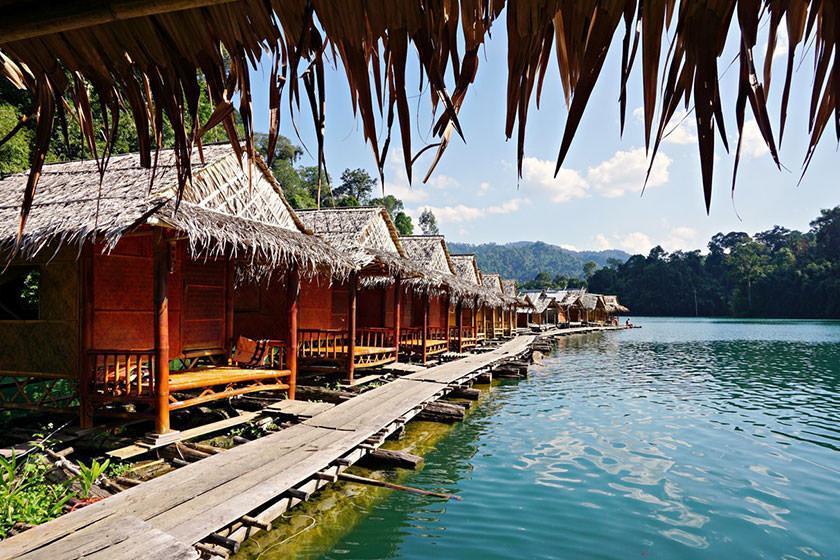 دریاچه مصنوعی چیو لان لیک؛ جاذبه ای متفاوت در تایلند