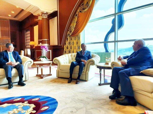 توییت نخست وزیر مالزی در مورد سفر ظریف به این کشور