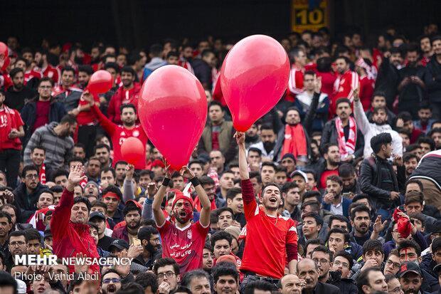 بازیکن سابق تراکتور تشویق شد، حضور 25 هزار نفری طرفداران
