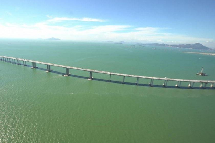 طولانی ترین پل روی آب دنیا در چین