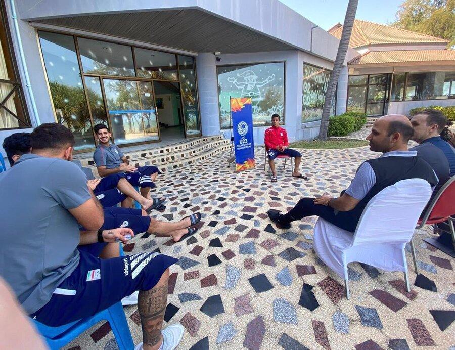 تیم خبری کنفدراسیون فوتبال آسیا در اردوی تیم امید ، مصاحبه با تازه داماد تیم
