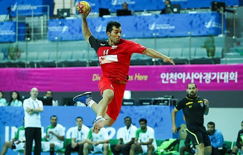 بازی با تیم های بزرگ به نفس بازیکن هندبال را بالا می برد