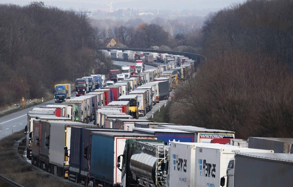 خبرنگاران مرزهای آلمان به روی مسافران بیشتری بسته می گردد