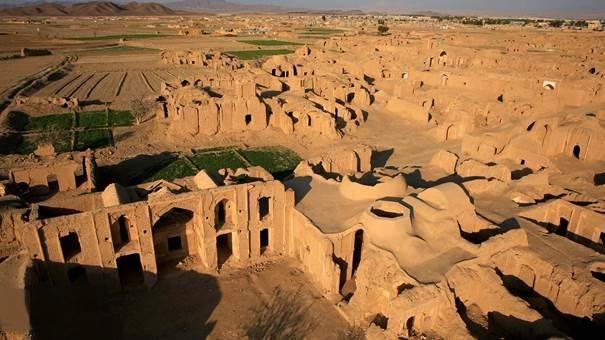 بازسازی بناهای شهر تاریخی تون