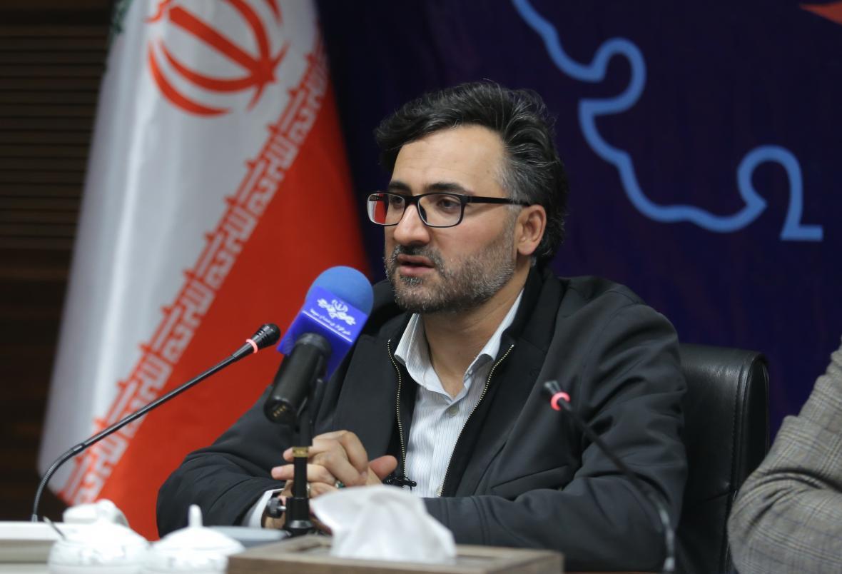 دهقانی فیروزآبادی سرپرست پژوهشگاه و شبکه آزمایشگاهی دانشگاه آزاد شد