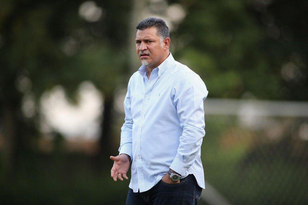 واکنش علی دایی به پیروزی بایرن مونیخ مقابل بارسلونا