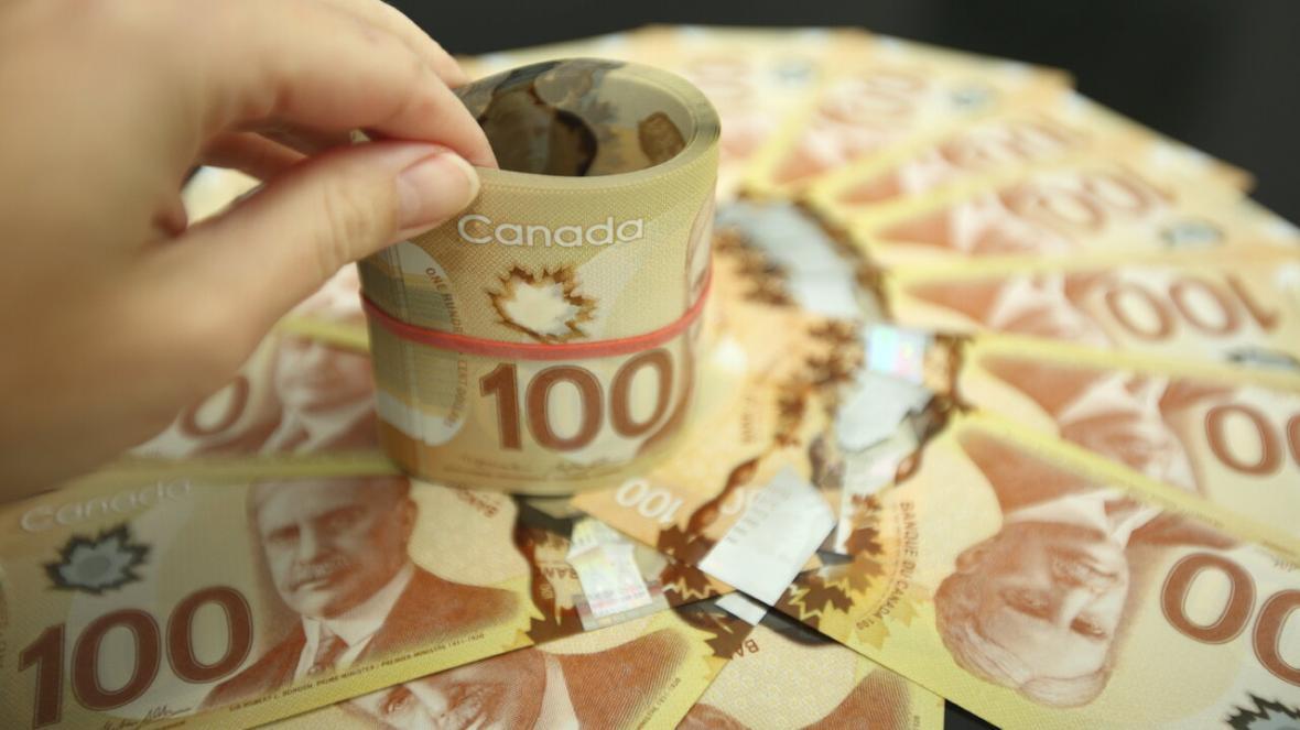 آیا با سرانجام یاری اقتصادی 2000 دلاری، دولت کانادا باید یارانه ماهیانه ثابت برای افراد نیازمند در نظر بگیرد؟