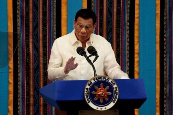 دوترته: اگر آمریکا می خواهد نیروهایش را در فیلیپین نگه دارد، باید هزینه پرداخت کند