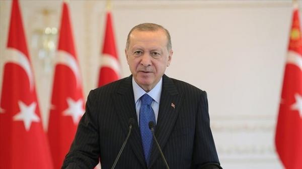 آمریکا یا کنار ترکیه بایستد یا مقابل آن