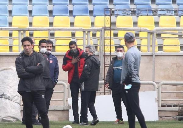 محمد انصاری به جای تمرین در باشگاه پرسپولیس! خبرنگاران