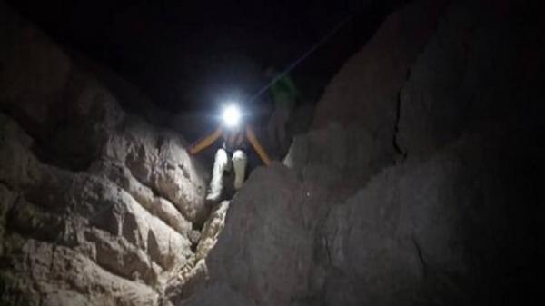 نجات 3 کوهنورد گرفتار در کوه صفه اصفهان